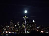 Seattle_skyline_moon.jpg